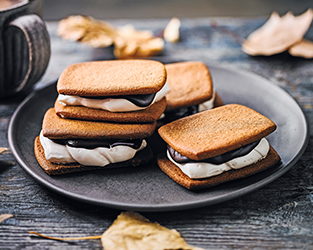 Martha Collison's gingerbread s'more biscuits
