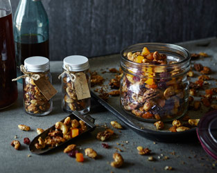 Spiced turkish mixed nuts and fruit
