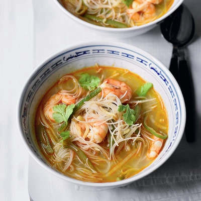 Thai prawn and green bean soup