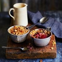 Apple, pear and blackberry crumble