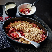 Cranberry and marzipan crumble