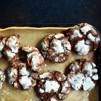 Chocolate and salted peanut cookies