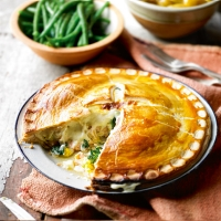 Duchy salmon and spinach plate pie