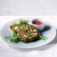Spinach and spring onion beef burgers