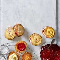 Strawberry-and-raspberry-viennese-whirls