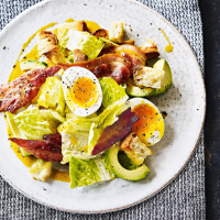 Avocado, crispy bacon & egg salad with Tabasco dressing