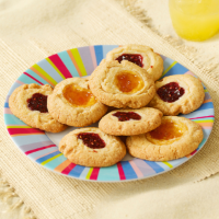 Crumbly Cookies with Jammy Fillings