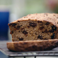 Deliciously Ella's Banana & raisin loaf