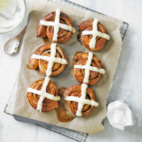Hot cross bun cinnamon rolls by Martha Collison
