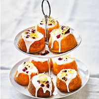Martha Collison's mini lemon & rose cakes