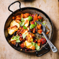 Roasted autumn vegetables with halloumi