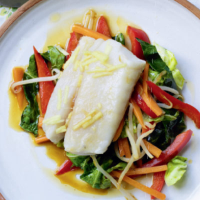 Steamed cod with stir-fry vegetables