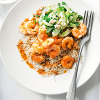 Spicy prawns with cucumber & peanuts