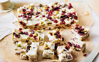 White chocolate, pistachio & cranberry rocky road