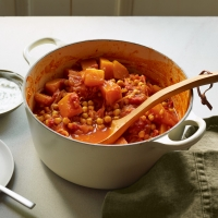 Apple, butternut and chick pea curry