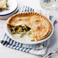 Asparagus, tarragon and egg pie