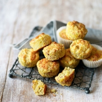 Bacon & sweetcorn muffins