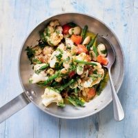 Cauliflower with tomatoes & beans