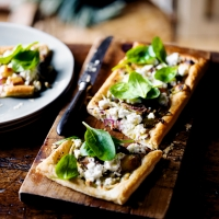 Fennel, red onion and garlic tart