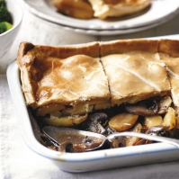 Mushroo, potato & thyme pie