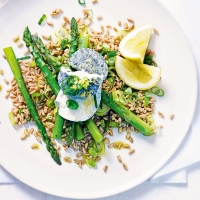 Spelt with asparagus & goat's cheese