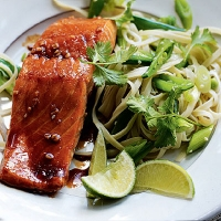 Teriyaki salmon with noodles