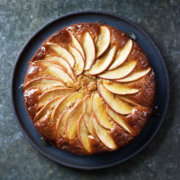 Apple, ginger & honey cake