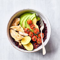 Black rice with cherry tomatoes, chicken & avocado