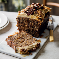 Banoffee cake with toasted pecans