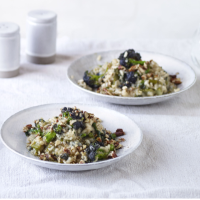 Broccoli and blue cheese risotto with toasted pecans