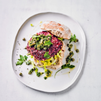 Beef & beetroot burgers with tangy herb dressing