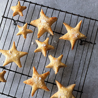 Christmas sweet star puffs