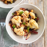 Cauliflower, chicory and chickpea salad