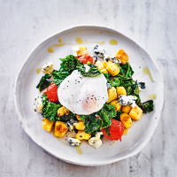 Crispy gnocchi with  kale & poached eggs