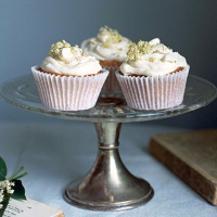 Elderflower cakes with whipped mascarpone icing