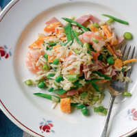 Egg-fried rice with prawns, peas and ham