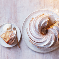 Festive-spiced apple bundt cake