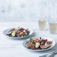 Fig, pomegranate and lentil salad with halloumi