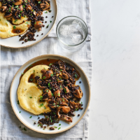 Garlic mushrooms, beluga lentils and polenta