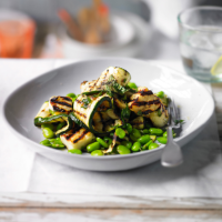 Halloumi, bean & courgette salad