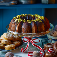 Honey and pistachio bundt cake
