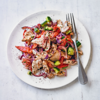 Hot chicken & tomato fattoush