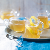 Hot honey, lemon & bourbon toddy