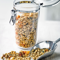 Martha Collison's honey & sesame granola