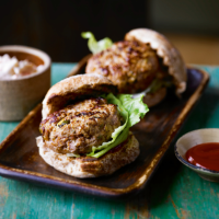 Pork, apple & sage burgers