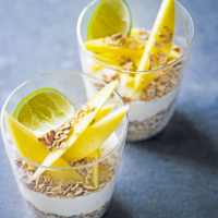 Tropical yogurt with  mango & granola