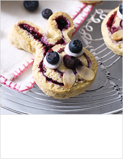 waitrose-easter-kids-blueberry-bunny-scones