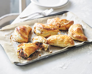 Slow-cooked lamb shank pasties