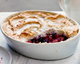 Strawberry, currant and coconut pudding