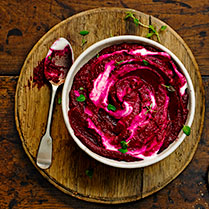 Beetroot purée with thyme